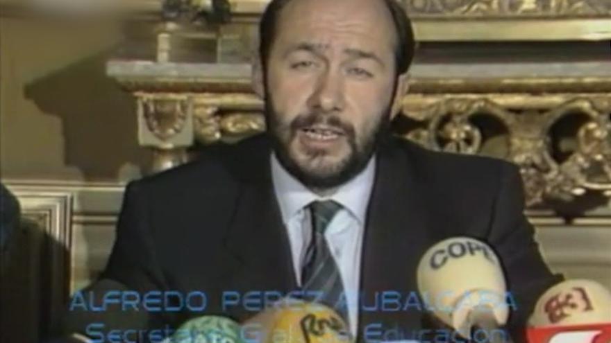 Rubalcaba secretario de Estado de Educación en 1986