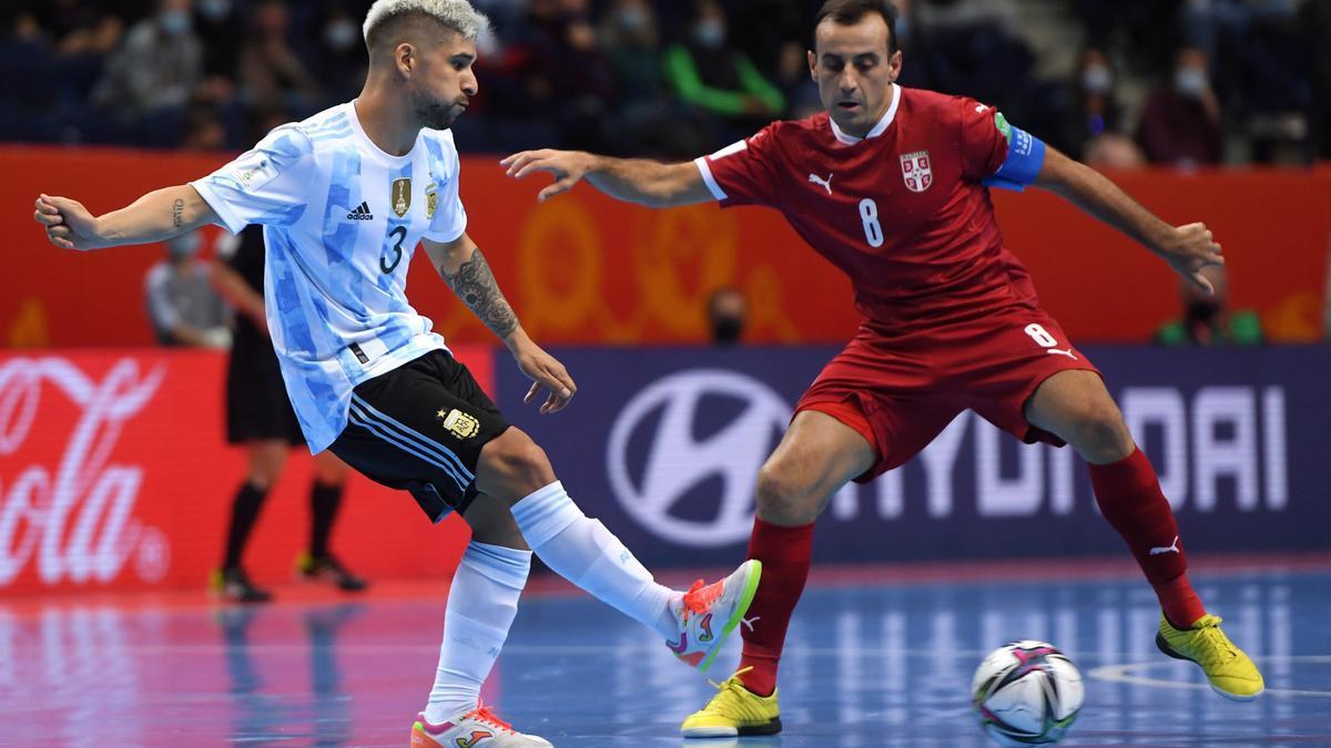 Argentina superó a Irán y pasó como primero de su grupo a octavos de final.
