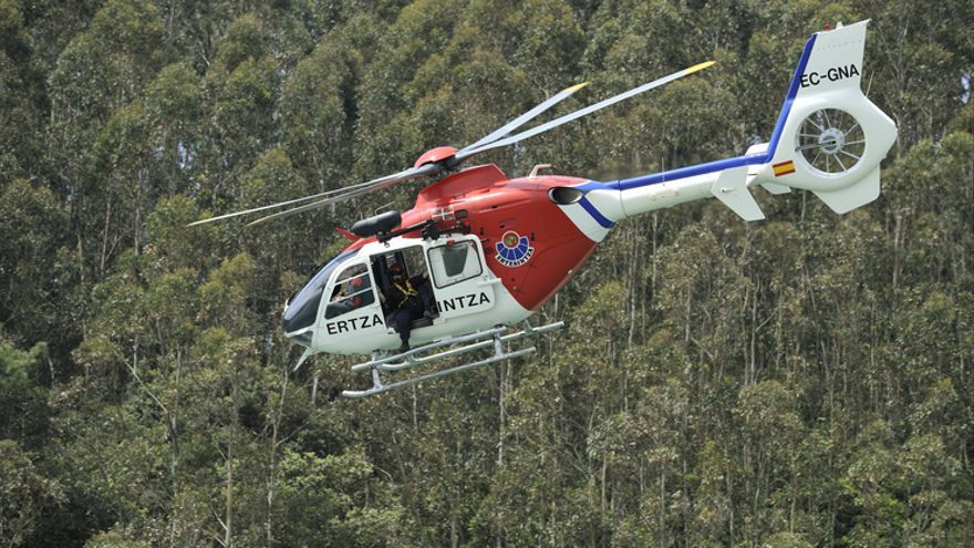 Helicóptero de la Ertzaintza accidentado la pasada semana en una operación anterior