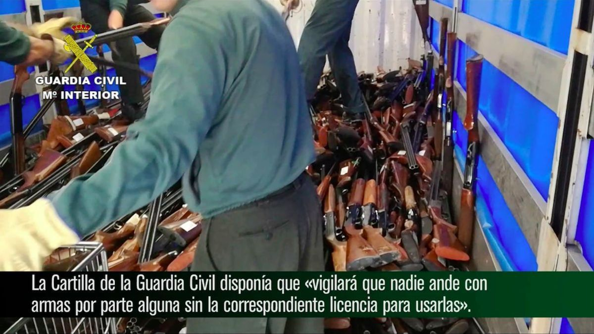 Destrucción de armas por parte de la Guardia Civil.