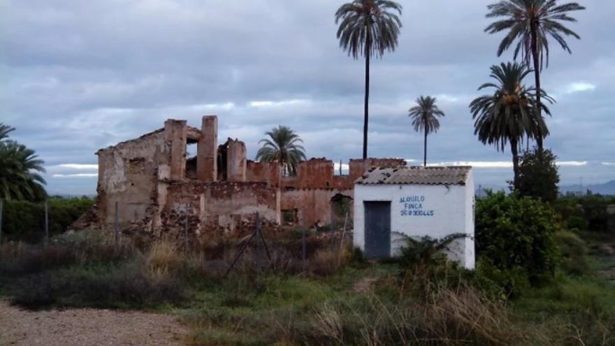 Vivienda Antonete Gálvez en ruinas