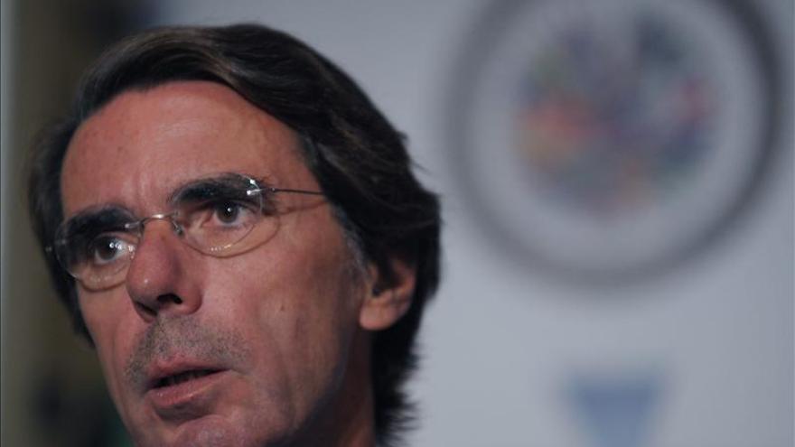 Aznar prefiere que Rajoy hable de la unidad de España a que diga que llueve
