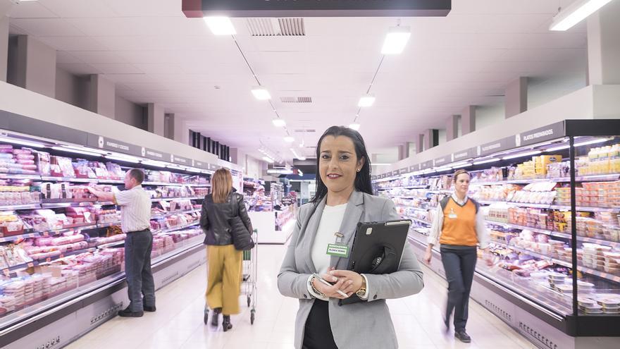 Blanca Berro, de 34 años, es coordinadora del supermercado de Mercadona /Foto: Luis Serrano