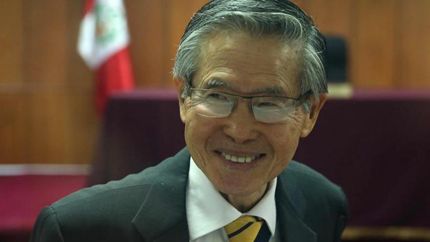 El expresidente Fujimori es internado en una clínica por dolores y baja presión