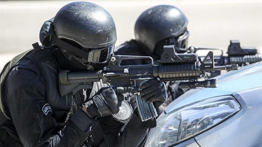 "Policías integraban un ""grupo de exterminio"" y cumplían encargos de empresarios"
