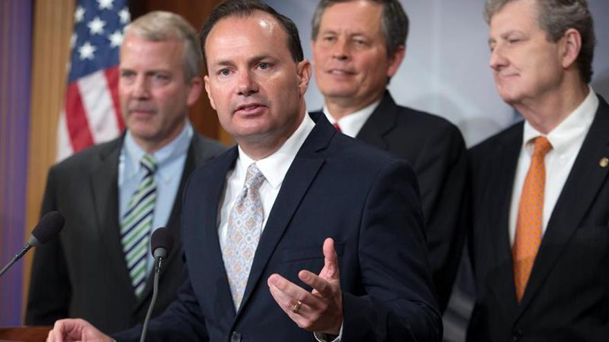 Los republicanos retrasan el receso estival ante la falta de acuerdo sobre la ley de salud
