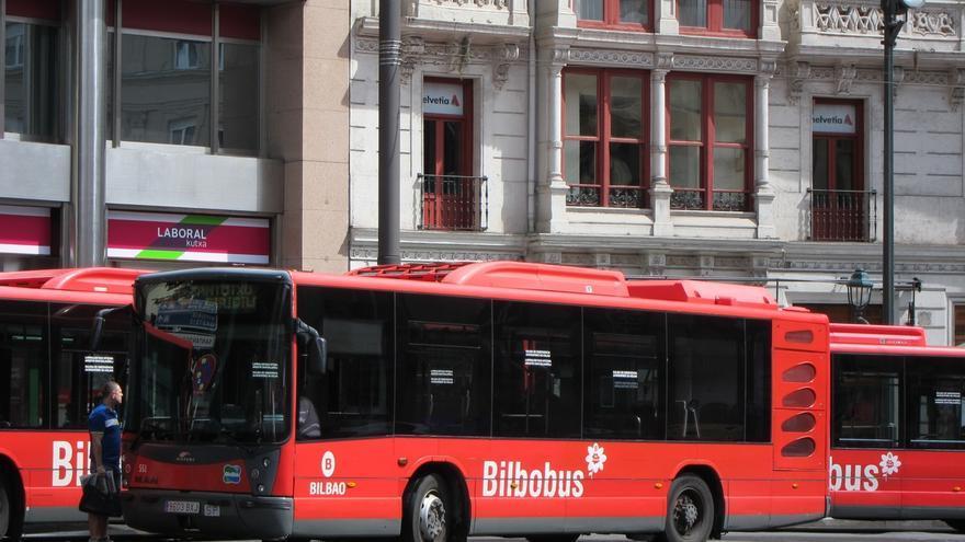 Los usuarios de autobuses urbanos vascos aumentan un 5,7% interanual en mayo y los del metro de Bilbao un 0,8%