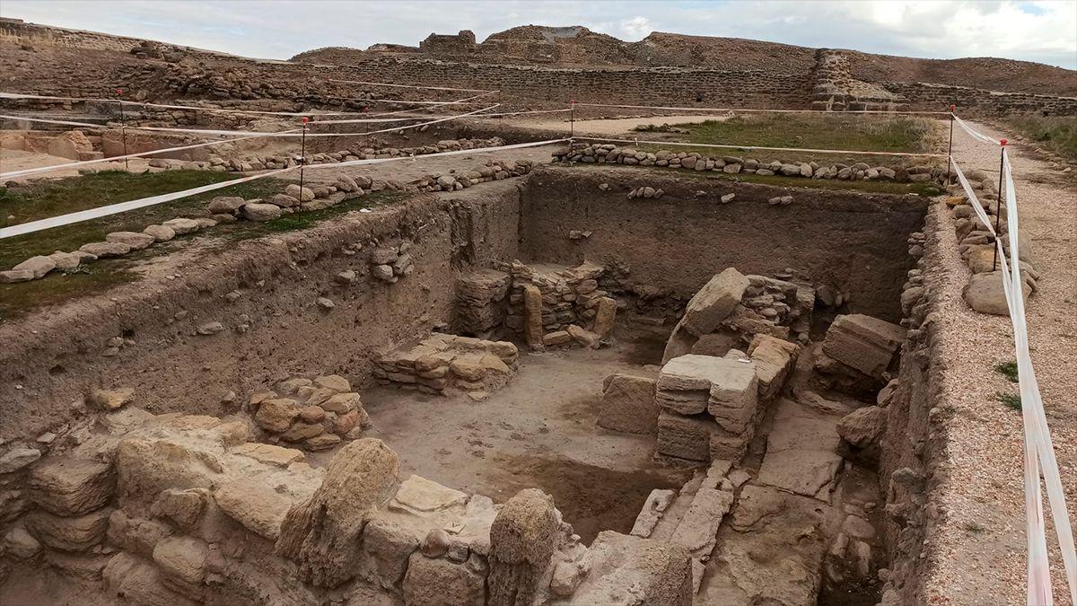 Excavaciones en Ategua