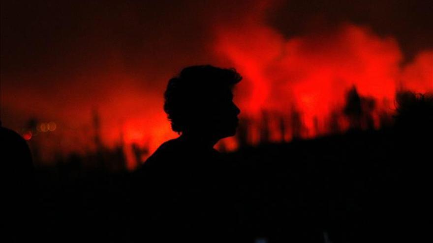 Autoridades decretan alerta roja en la región chilena del Biobío por los incendios forestales