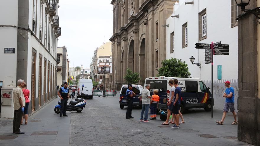 Plaza de Santa Ana desalojada por la Policía Nacional