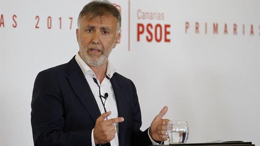 """Torres (PSOE) responde a Dávila: """"Indigno es un Gobierno que tiene a Canarias a la cola"""""""