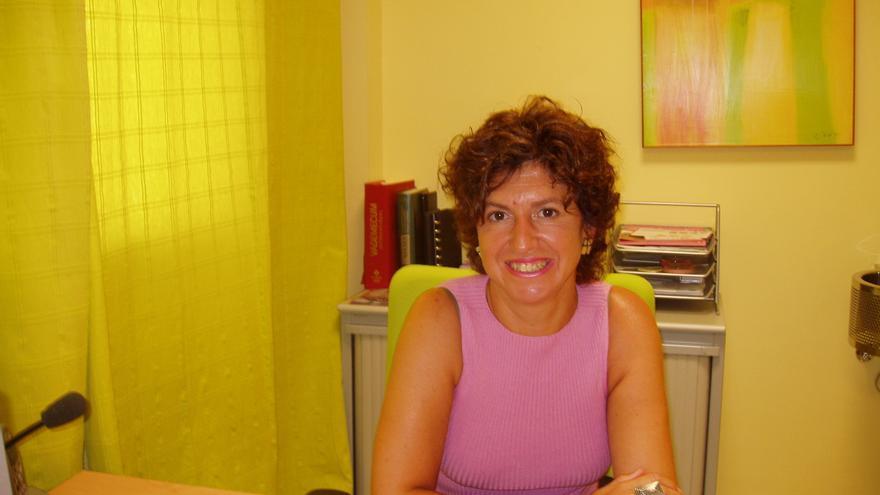 Eva Rodríguez en la sede la Clínica El Sur, centro galardonado con el Premio Clara Campoamor Andalucía 2015.