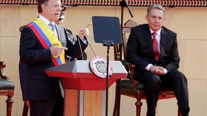 """Uribe dice que Santos """"ya está destapando su verdadero rostro"""""""