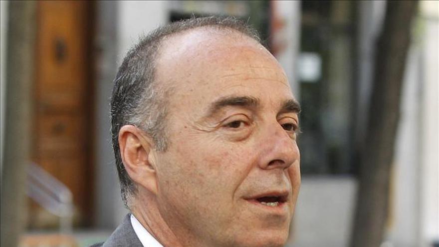 El senador Zerolo (CC) asegura que nunca ha tenido cuenta en el extranjero