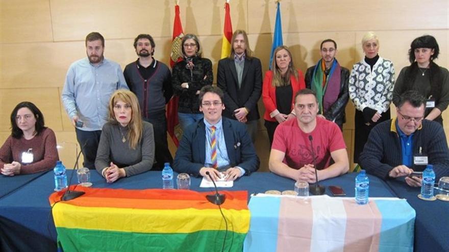 Ignacio Paredero (en el centro) junto a otros activistas de Castilla y León