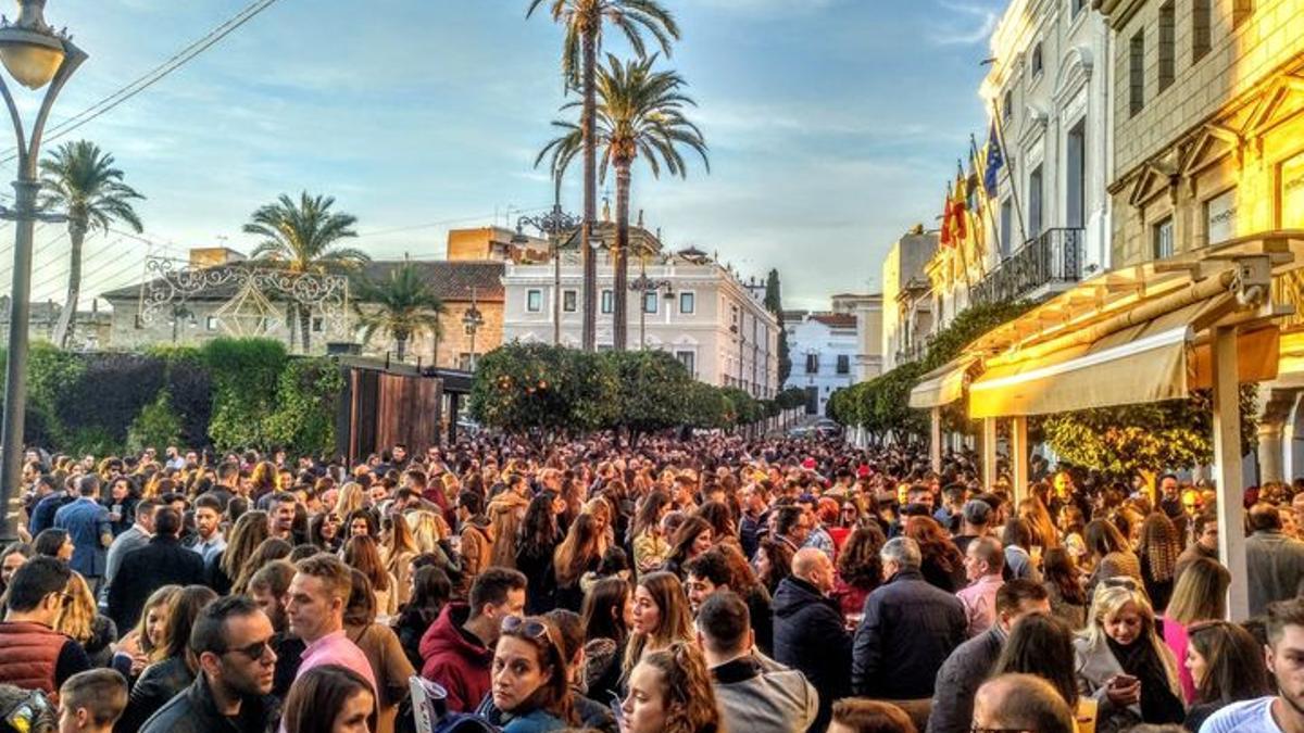 Tarde de Nochebuena 2019 en la Plaza de España de Mérida
