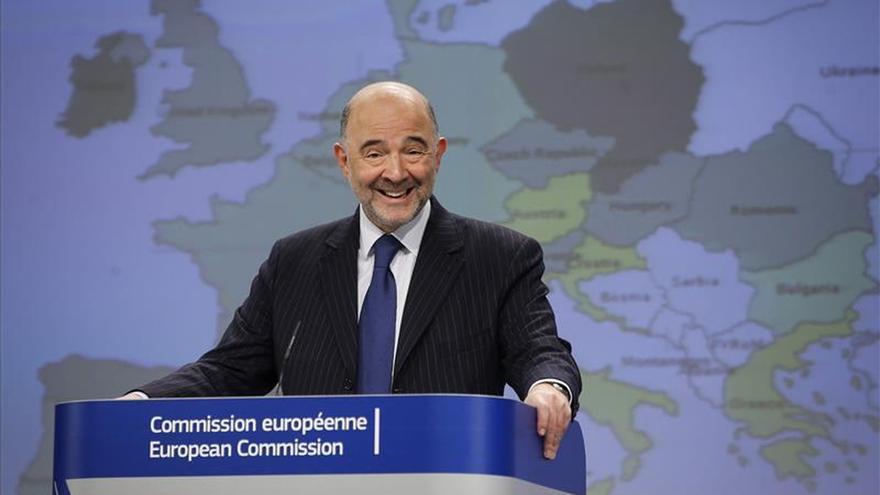 Los bajos precios del petróleo y la depreciación del euro impulsan la economía de la UE