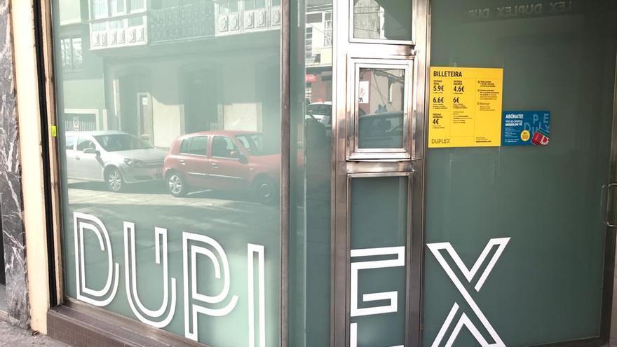 Exterior de Dúplex Cinema, en Ferrol