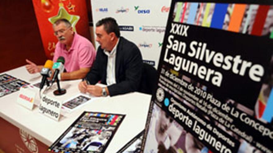 Miguel Martín (izquierda) y Javier Álvarez en la presentación de la prueba atlética. (ACFI PRESS)