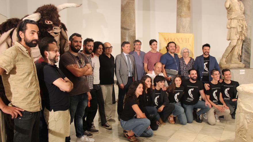 Foto de grupo en la presentación del V Festival de Teatros Romanos de Andalucía