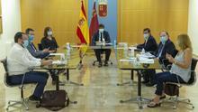 Murcia amenaza con confinar municipios tras el repunte de rebrotes en la Región