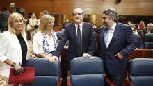 Gabilondo, Rodríguez Uribes y otros diputados del PSOE en la Asamblea de Madrid.