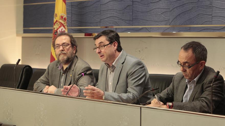 """IU, sobre la imputación del secretario de las Infantas: """"Lo que sorprende es que todavía no esté imputada"""" Doña Cristina"""