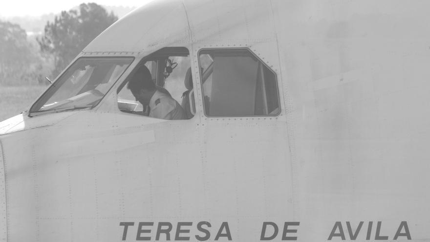 Avión con inscripción de Teresa de Ávila