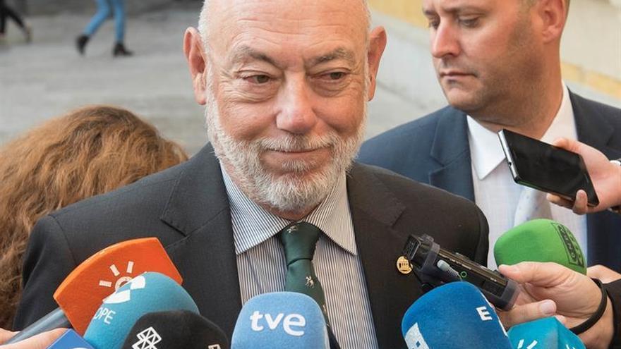 El fiscal general visita Anticorrupción tras la polémica de la operación Lezo