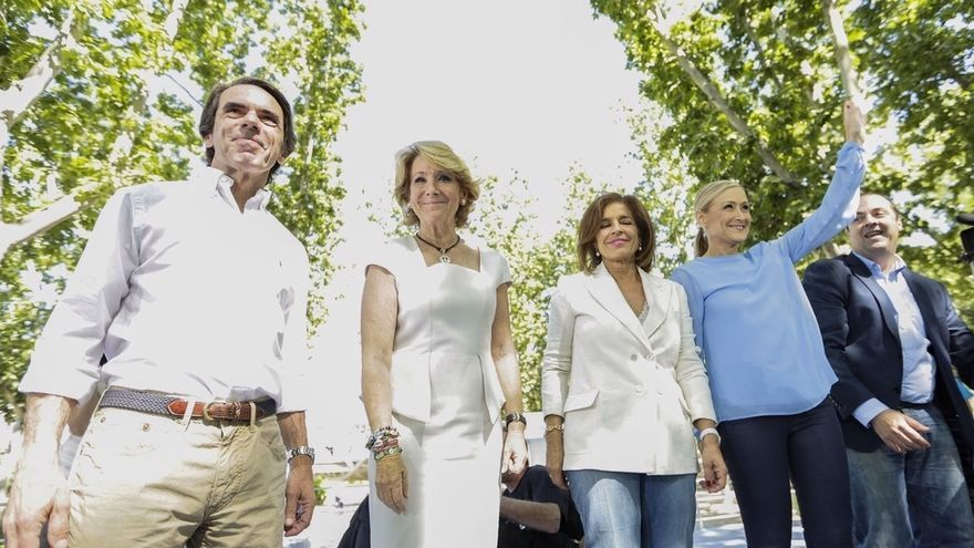 "Cifuentes reivindica a Aznar, que sacó a España de la crisis ""llegando a pactos: la forma de gobernar del PP"""