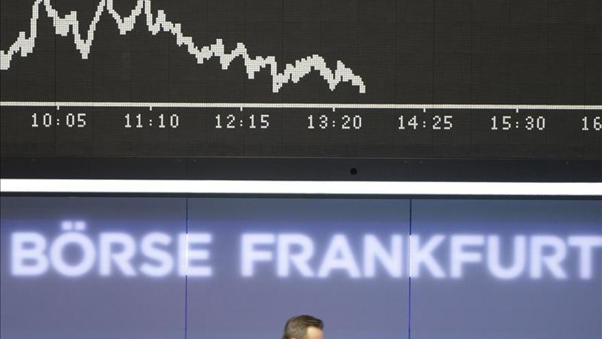 La Bolsa de Fráncfort baja un 0,3 % en la apertura