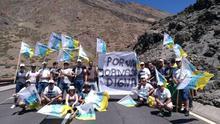 Grupo de trabajadores de Teleférico del Teide, en la protesta de este martes
