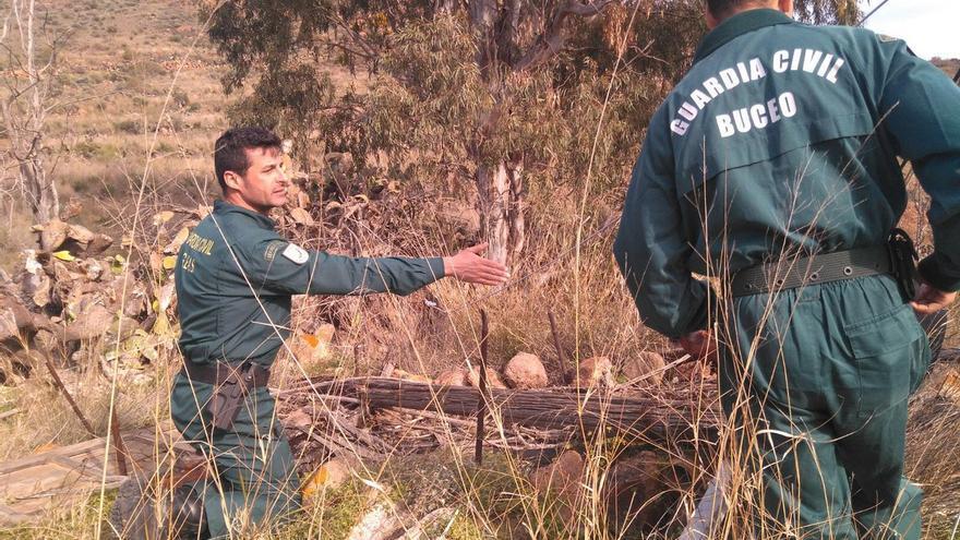 La Guardia Civil, durante sus labores de búsqueda de Gabriel Cruz. Imagen: @zoidoJI
