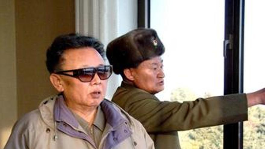 Kim Jong Il reaparece en público