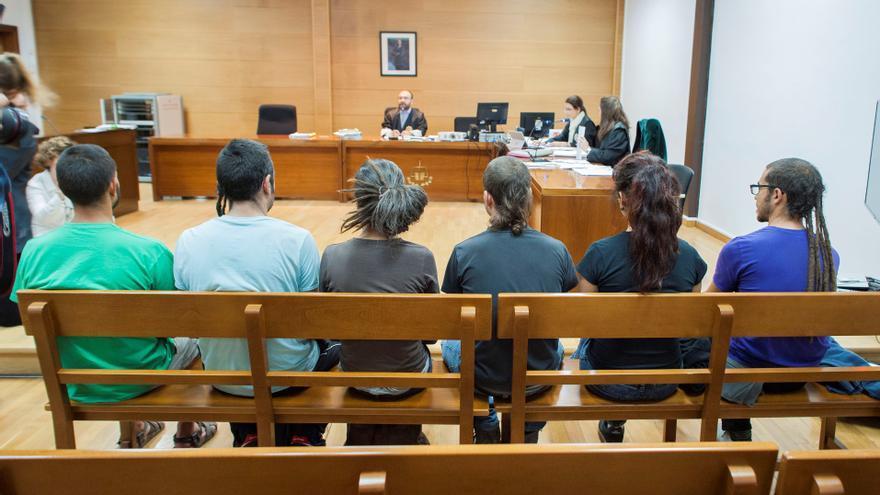 Los jóvenes repobladores de Fraguas, durante el juicio