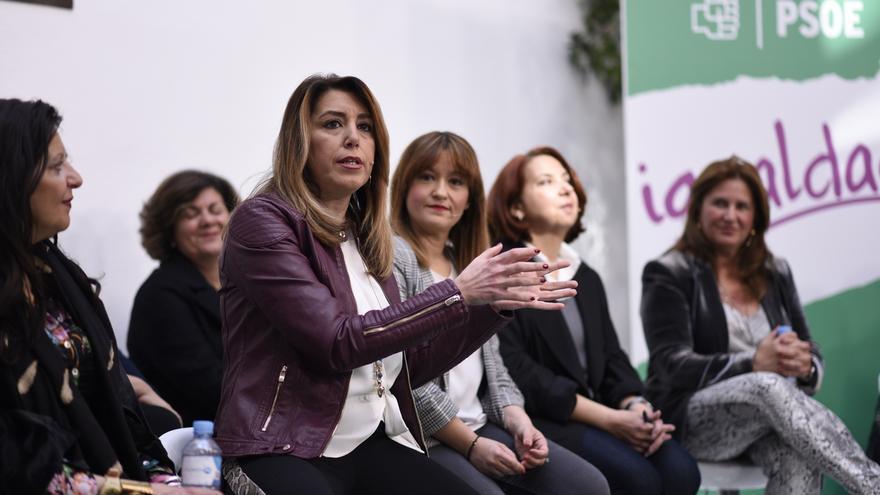 """Susana Díaz denuncia la """"purga y persecución"""" que pretende Vox con trabajadores de unidades de violencia de género"""