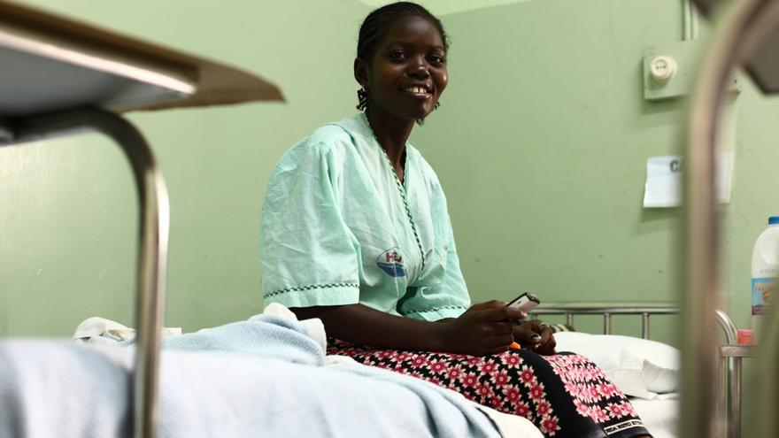 Uno de los riesgos del embarazo infantil es la fístula obstétrica. Hortência la desarrolló tras un parto a los 17 años.© UNFPA/Pedro Sá da Bandeira