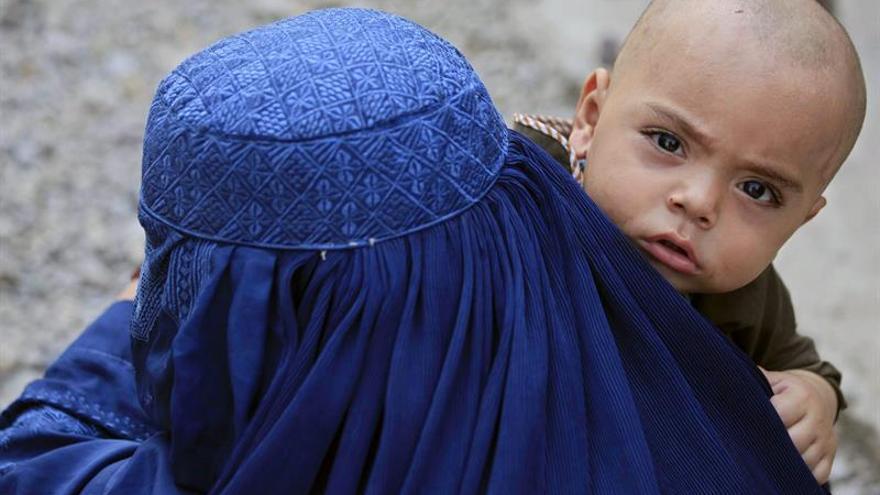 Los niños víctimas del conflicto afgano aumentaron un 15 %, según la ONU