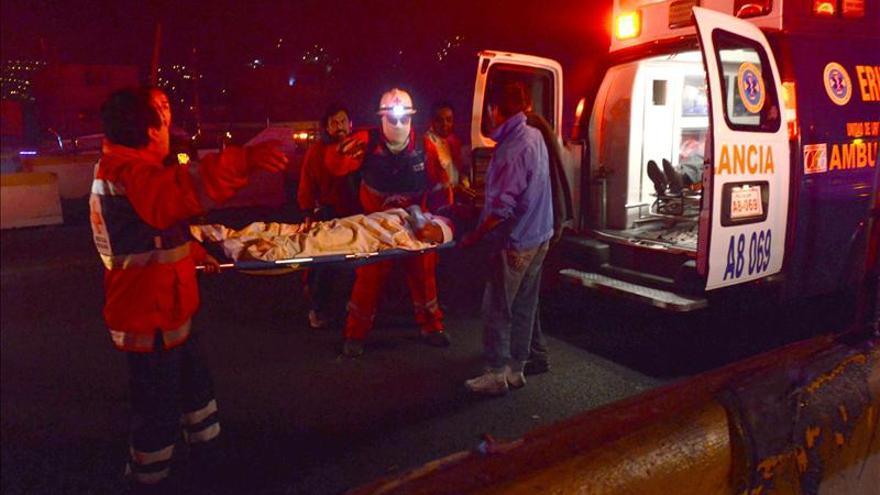 Al menos 20 muertos y 36 heridos en explosión de camión cisterna en México
