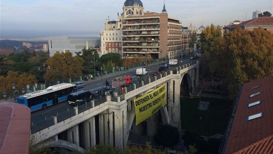 La organización denuncia la represión de la Armada contra sus activistas en Canarias. / Greenpeace.