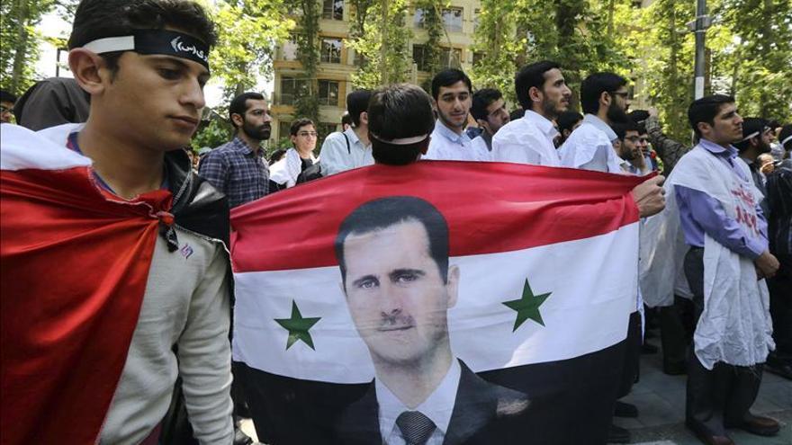 """La Eurocámara pide a Bachar al Asad que entregue el poder """"de inmediato"""""""