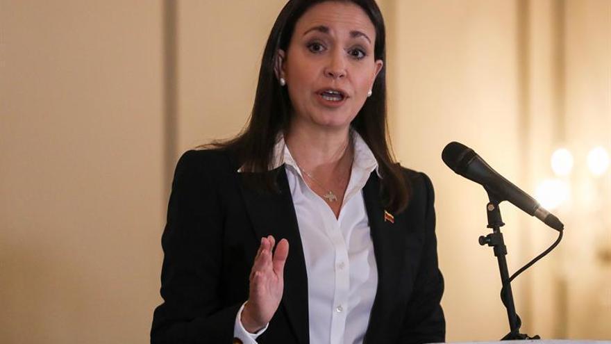 María Corina Machado pide que el Parlamento asuma el Gobierno de Venezuela en enero