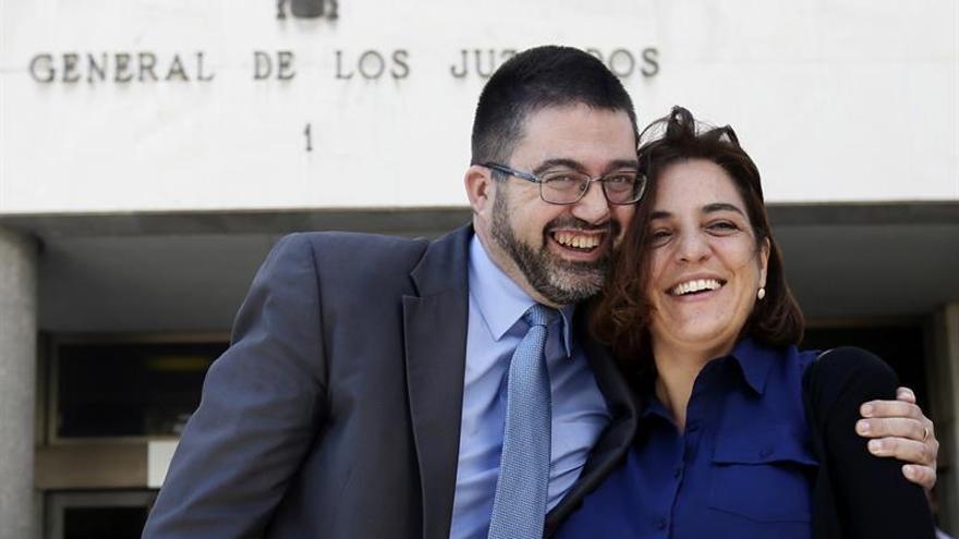 """Carmena insiste en que Mayer y Sánchez Mato """"ni estaba ni están imputados"""""""