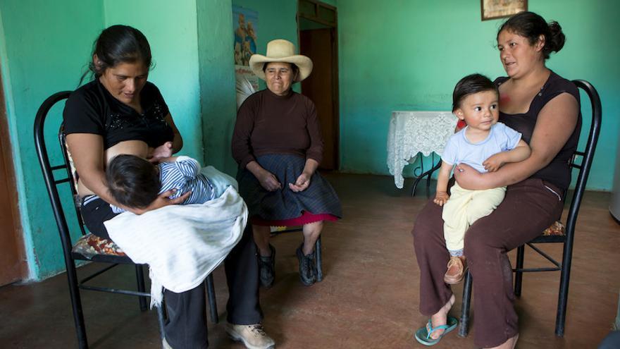 La lactancia materna es una importante herramienta contra la desnutrición infantil. Foto: Salva Campillo - Ayuda en Acción