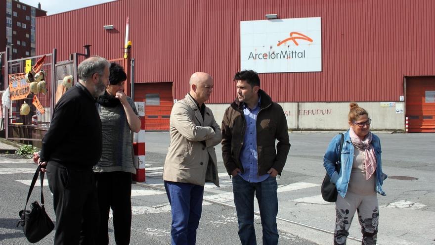 """Elorza propone la creación de un observatorio empresarial que actúe """"como un lobby"""" para evitar el cierre de empresas"""