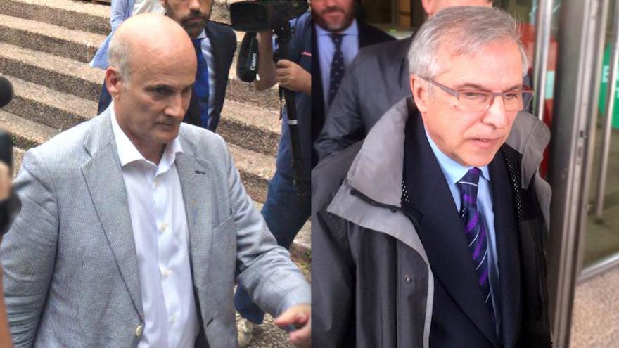 Los imputados directores de Seguridad de Adif y Renfe, Andrés Cortabitarte y Antonio Lanchares, tras sus declaraciones en el juzgado
