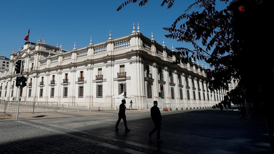 Chile suma casi 5.400 nuevos casos mientras debate si aplazar elecciones
