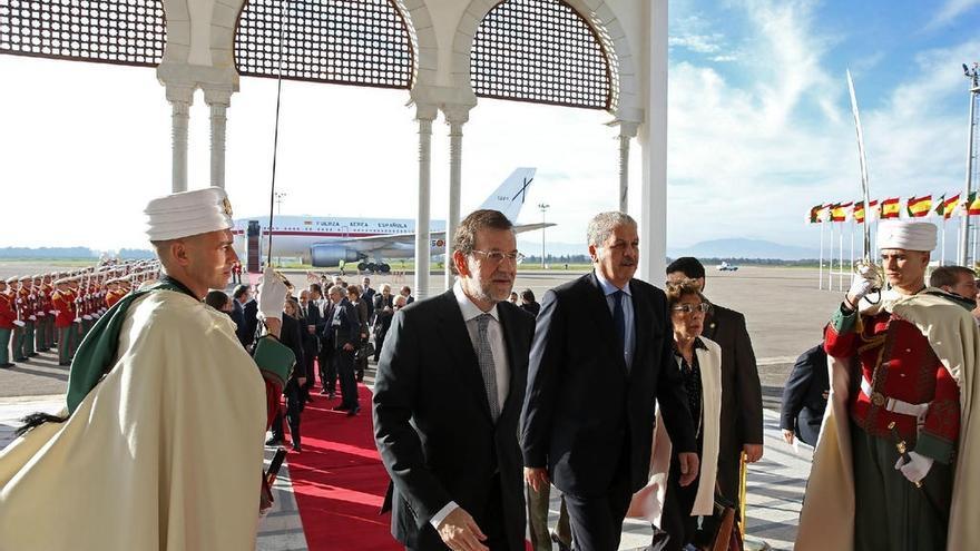 Rajoy defiende ante el presidente de Argelia el interés de las empresas españolas por el país
