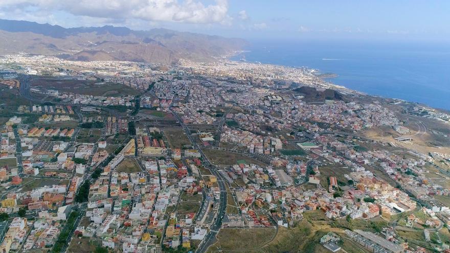 Tenerife, única isla que sigue con semáforo rojo de restricciones COVID