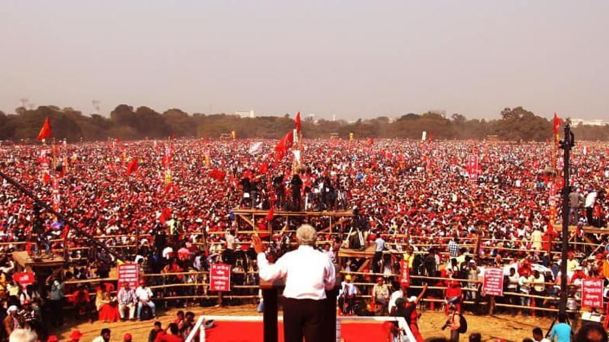Espectacular manifestación comunista en India semanas después de una huelga general masiva